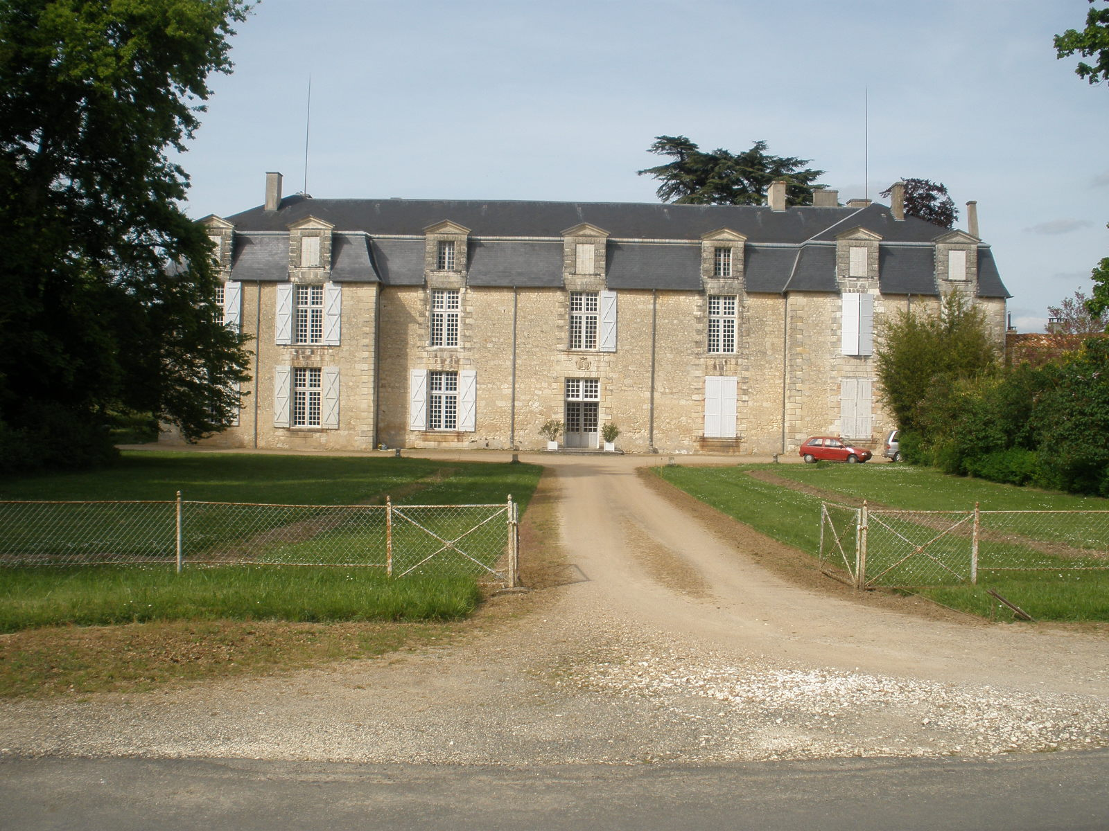 chateau_de_cumond